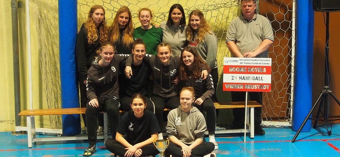 U16W holt beim Turnier in Calella den 2. Platz